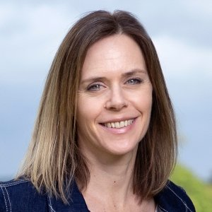 Karen Arnott